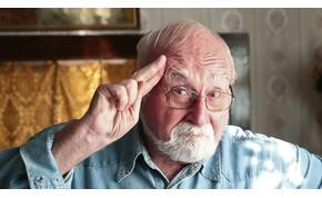 Legyőzte a koronavírust a Família Kft. 93 éves sztárja – nekik köszönheti az életét