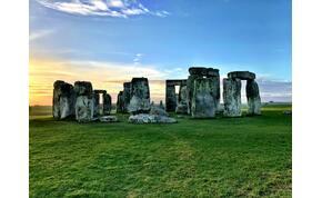 4500 éves, furcsa pózban fekvő lány maradványait találtak meg Stonehenge-nél