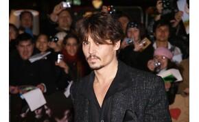 Johnny Depp 5 évvel öregebb volt, mint a saját anyukája – megdöbbentő állítás, de igaz