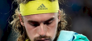 Annyira dühbe jött a görög teniszező, hogy takarítani kellett utána