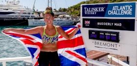 Ez az úszásoktató 21 évesen a legfiatalabb nő lett, aki átevezte az Atlanti-óceánt
