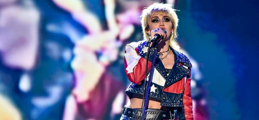 Miley Cyrus egy rendkívül megható üzenetben mutatta be legújabb családtagját