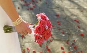 Annyira meghatódott egy menyasszony az esküvőn, hogy meghalt szívrohamban