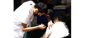 A koronavírus-vakcináknak 9 féle mellékhatása lehet – mutatjuk ezeket!