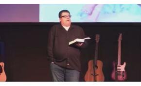 Házasság után elhízó nőkről tartott beszédet az istentiszteleten egy lelkész