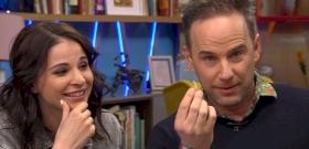 Járai Máté élő adásban evett mézes sáskát, wasabis tücsköt és lisztkukacos muffint – videó