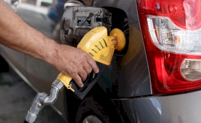 Újabb drágulás: egekben a benzin ára