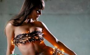 Meztelen fotóval nosztalgiázott a Groovehouse énekesnője – válogatás