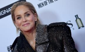 Sharon Stone nem vett fel bugyit, majd széttette a lábát - most elárulta, hogy vették rá a filmtörténelem legnagyobb villantására