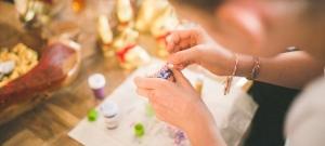 Az Aldi megszánta a tojásfestő hölgyeket: hihetetlenül hasznos ez a húsvéti termék