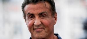 Ezt látnod kell: Sylvester Stallone egy izmos cápaembert alakít az új filmjében – fotó