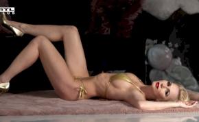 Miló Viki olyan szexin pózolt a kamerának, mint fénykorában – videó