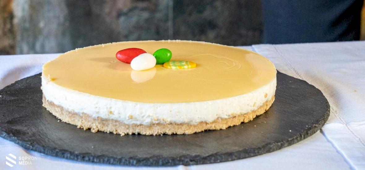 Finomságok húsvétra: tojáslikőrös sajttorta – recept