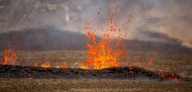 Hatalmas hasadék nyílt az izlandi vulkán közelében
