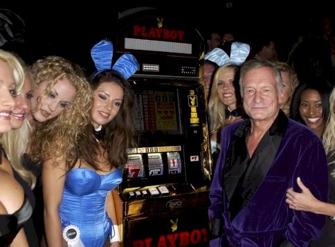 Orgiák és szexjátékok? Most fény derül Hugh Hefner és a Playboy-villa legnagyobb titkaira