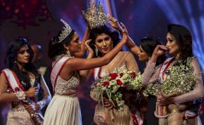Letépte a szépségkirálynő fejéről a koronát a tavalyi győztes, letartóztatták érte