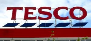 Elképesztő botrány támadt a Tesco egyik kedvesnek szánt posztja után, az emberek sorra beszóltak az áruháznak - mutatjuk, mi vezetett idáig Angliában
