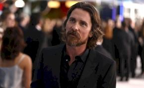 Christian Bale megint felismerhetetlenné vált egy filmszerep kedvéért – fotók