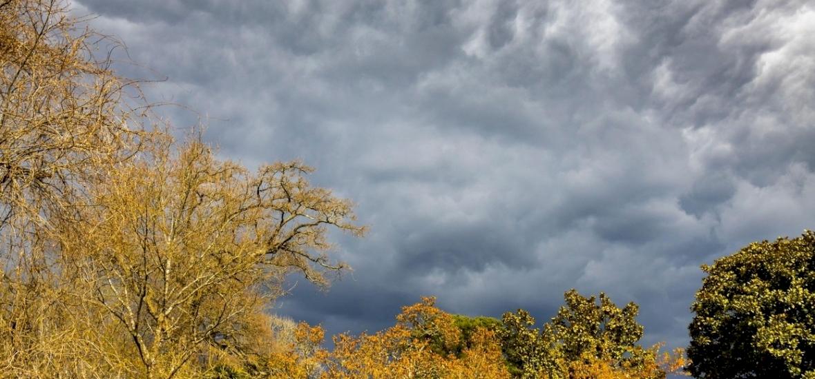Időjárás: újabb hidegfront érkezik, érdemes magunkkal vinni az esernyőnket