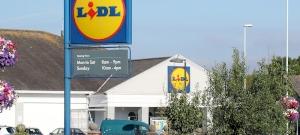 Fura tetoválás miatt rúgtak ki egy magyar férfit egy angol Lidl-ből, a bíróság most kimondta, hogy helytelenül cselekedett a szupermarket