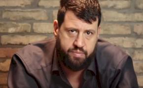 Puzsér Róbert két lábbal szállt bele Friderikusz Sándorba, majd porig alázta az RTL Klub és a TV2 műsorait is