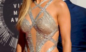 Jennifer Lopez 19 évvel ezelőtti, brutálszexi képeitől és videóitól ki fog esni a szemed, na meg az állad is leesik majd