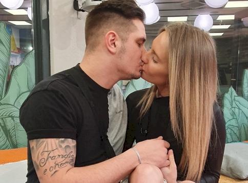 A Való Világ 10-ben rengeteget szexelő VV Virág és VV Dani között dúl még a szerelem?