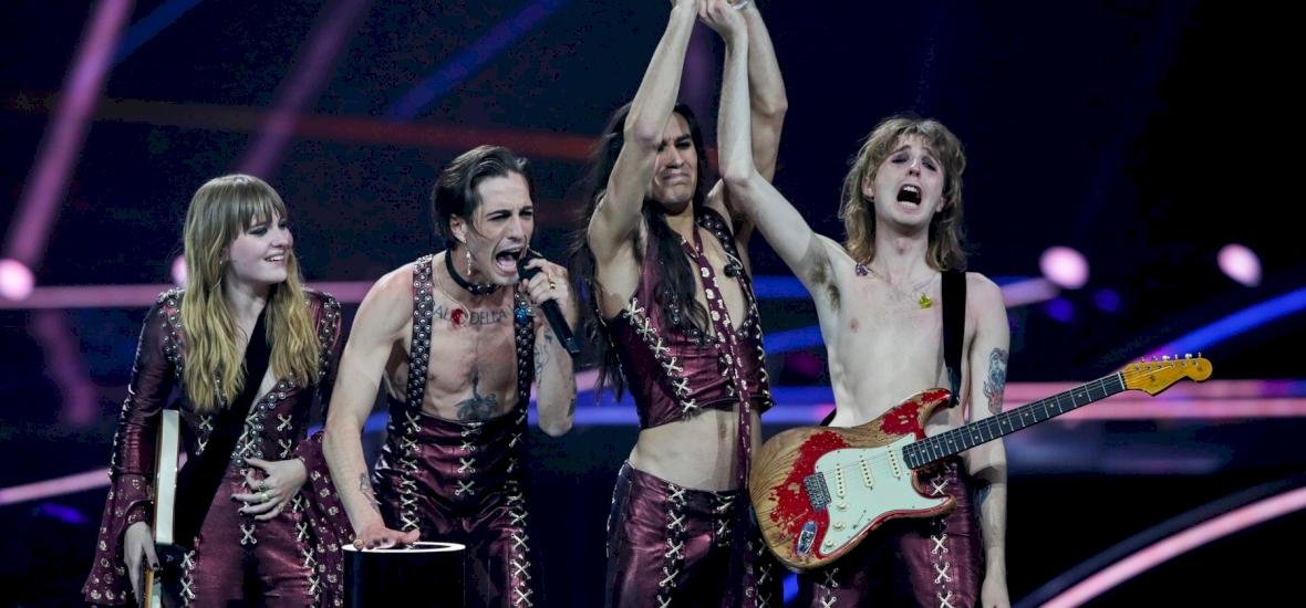 Félmeztelen olasz rockerek nyerték az idei Eurovíziós ...