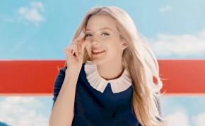 Tudod, ki az a szexi nő az XXXLutz idegesítő reklámjában? Így néz ki valójában