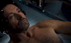 Hugh Jackman megcsinálta az év legagyeldobósabb sci-fijét? – előzetes