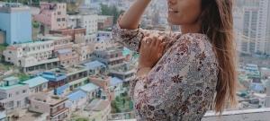Betámadták a kommentelők Rubint Rellát, mert melltartóban ment esküvőre