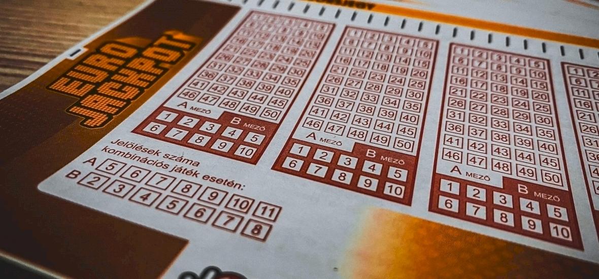Eurojackpot: óriási nyeremény, 7900 millió forint gazdájára - íme a nyerőszámok