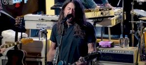 Őrjöngtek az oltásellenesek, mert nem mehettek be a Foo Fighters koncertre