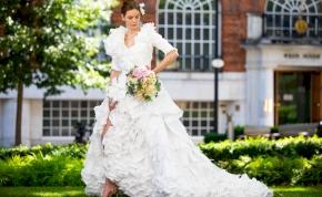 Ilyen különleges esküvői ruhát még biztosan nem láttál!