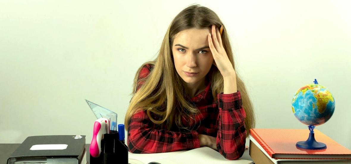 Kvíz: akadáj vagy akadály? 10 hatalmas helyesírási hiba, amelybe szinte mindig belefutunk