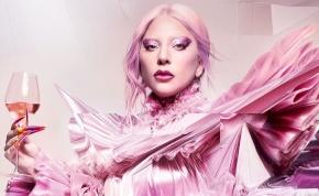Lady Gaga szexistennőként mutatta meg formás testét egy falatnyi bikiniben – videó