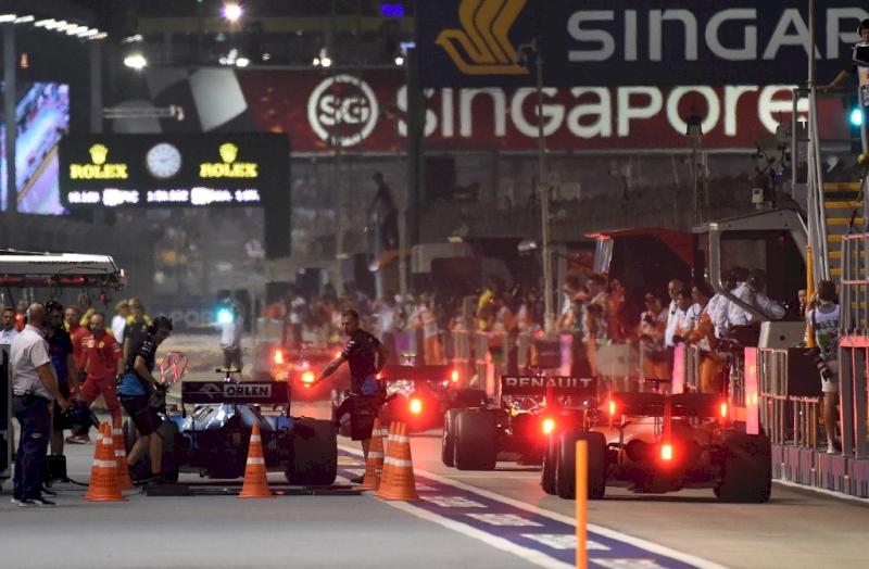 Ezek most Leclerc hetei, egyszerűen verhetetlen a Ferrari versenyzője
