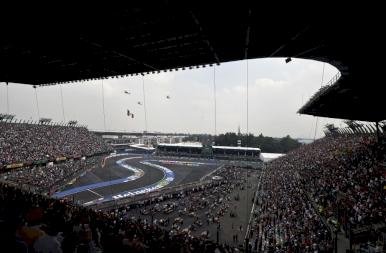 Hamilton-győzelem Mexikóban