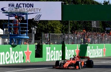 Vettel őrültsége ellenére Leclerc behúzta a Ferrari hazai versenyét