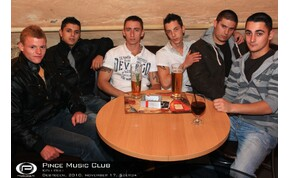 Debrecen, Pince Café & Music Club - 2010. november 17. szerda