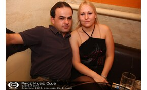 Debrecen, Pince Café & Music Club - 2010. december 25. Szombat este