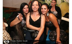 Debrecen, Pince Café & Music Club - 2011. május 7. Szombat