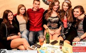 Debrecen, Pince Café & Music Club- 2014. Március 8., szombat este