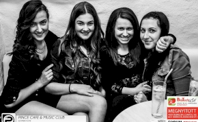 Debrecen,Pince Café & Music Club- 2014. Április 12., szombat este