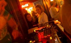 Eger, Hippolit Klub - 2011. április 20., Szerda