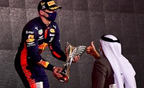 Magabiztosan nyert Verstappen az idényzárón