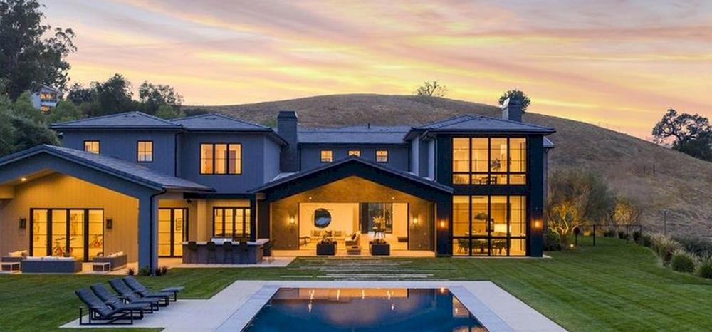 A rapper, Lil Wayne nemrég vett egy házat Kylie Jenner mellett