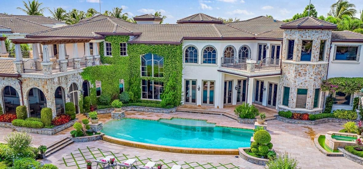 Nézzetek be Trump fiának luxusházába, aminek kétszer annyi fürdője van, mint hálószobája