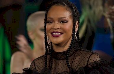 Rihanna 10 millió dollárt szórt el, hogy ezt megtehesse