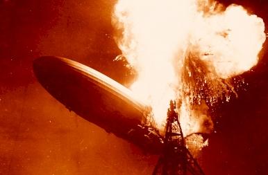 84 éve robbant fel a Hindenburg léghajó - korabeli fotók